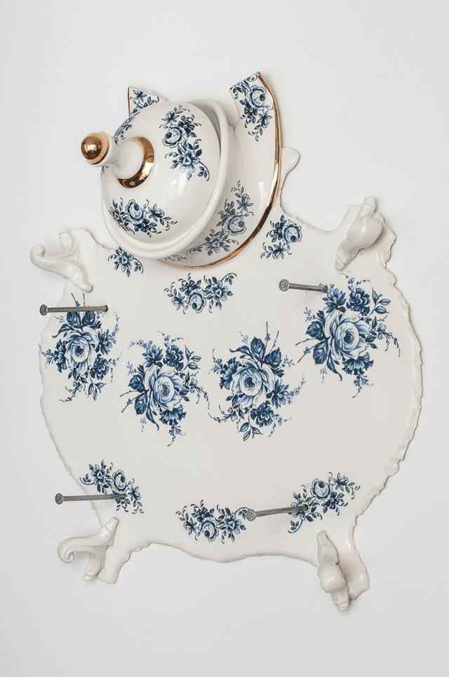 """Laurent Craste, """"Dépouille aux fleurs 'Bleu de Delft',"""" 2012/2015"""