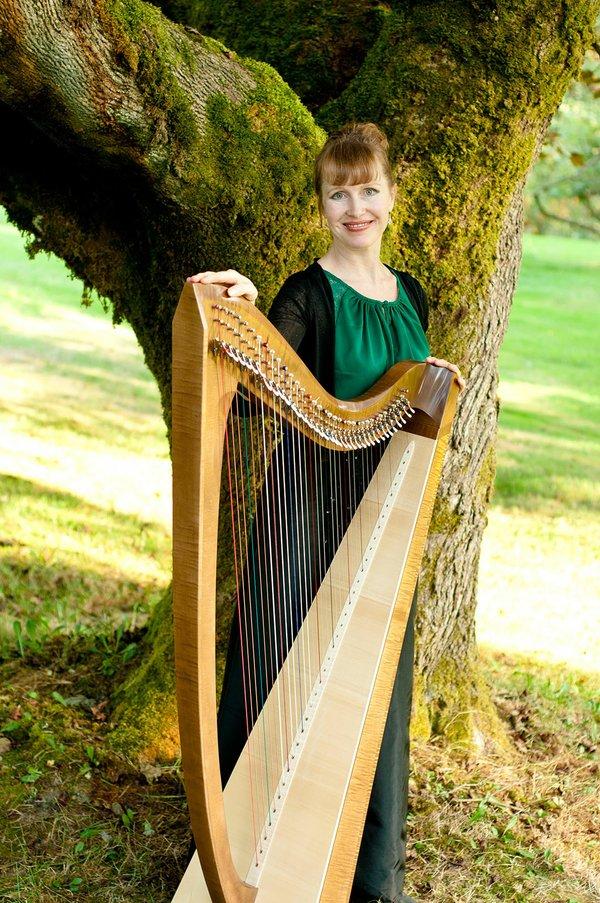 Leanne Page, Celtic Harpist, 2017