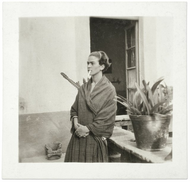 Frida Kahlo in the Blue House, anonymous, 1930 ©Frida Kahlo Museum