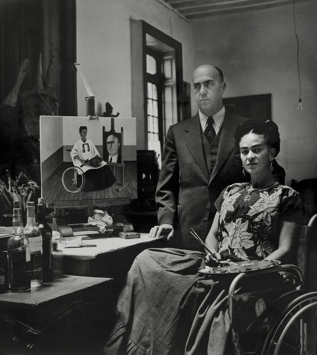Frida Kahlo with the doctor Juan Farill by Gisèle Freund, 1951 ©Frida Kahlo Museum