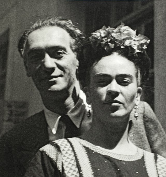 Nickolas Muray and Frida Kahlo by Nickolas Muray, 1939 ©Frida Kahlo Museum