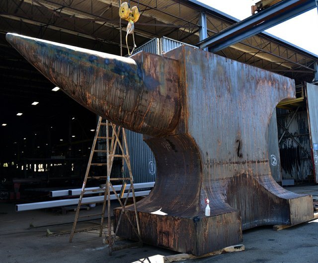 "Maskull Lasserre, ""Acoustic Anvil: A Small Weight to Forge the Sea"" in progress at George Third and Son (photo by roaming-the-planet)"