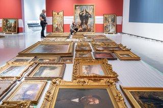 Winnipeg Art Gallery preparations for Salon Style