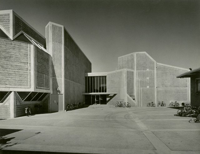 Fred Hollingsworth designed the Faculty of Law Building at the University of British Columbia, 1971 (photograph courtesy of the Estate of Fred Hollingsworth)