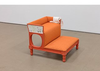 """Anne Low, """"Bedchamber of a paper stainer (bedsteps),"""" 2018 (courtesy the artist, photo by Toni Hafkenscheid)"""