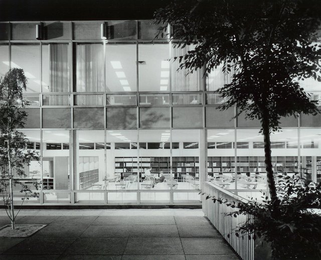 Henry Kalen, Courtyard of the Russell Building, ca. 1960