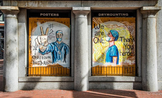 David Austin's mural offers a thank-you to health-care workers in Vancouver. (photo by Ted McGrath)