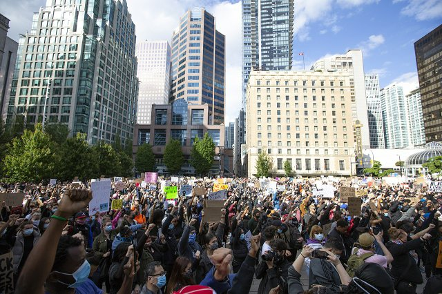Black Lives Matter anti-racism rally at the Vancouver Art Gallery on May 20, 2020. (courtesy Wikimedia Commons)