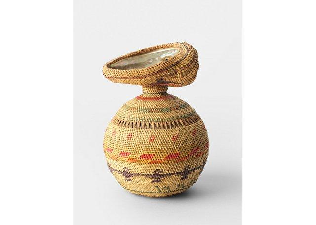 """Unknown Nuučaan̓ ułʔatḥ (Nuu-chah-nulth) weaver, """"Ucluelet Basket,"""" 1944"""