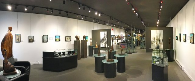 The Avenue Gallery Interior_2.jpg
