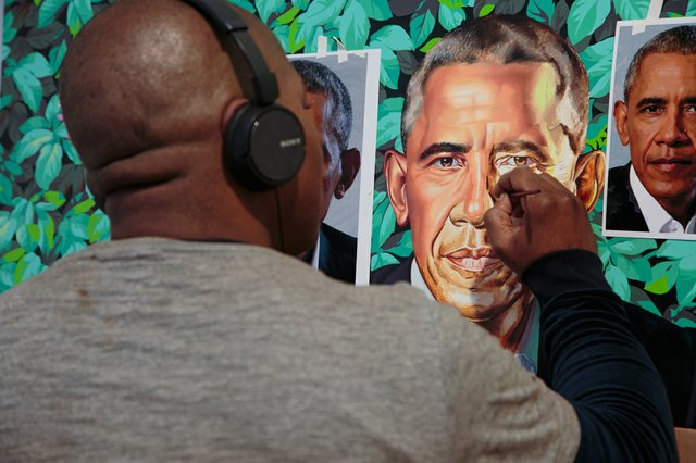 Kehinde Wiley works on his portrait of Barack Obama in late 2017.  (photo by Ain Cocke, ©Kehinde Wiley, 2017)