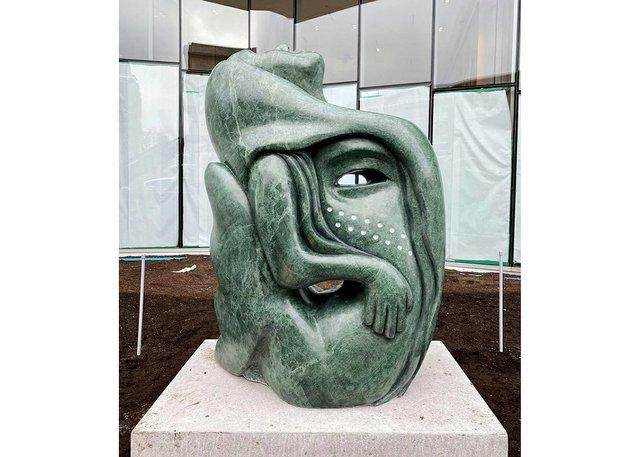 """Goota Ashoona, """"Tuniigusiia/The Gift"""" (courtesy the artist in Inuit Art Quarterly))"""