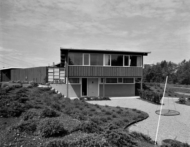 ArchitectFred Lasserre and landscape architect Cornelia Hahn Oberlander designed the Friedman residence in Vancouver around1955.(collection of West Vancouver Art Museum; photo bySelwyn Pullan)