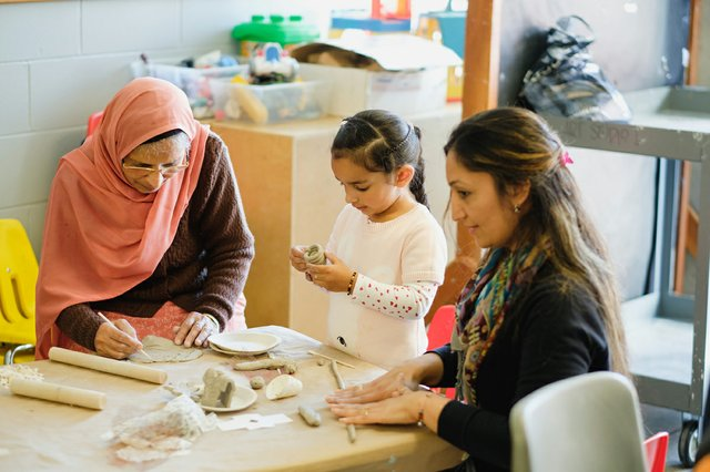 Intergenerational artmaking at a Family Sunday. (photo by Pardeep Singh)
