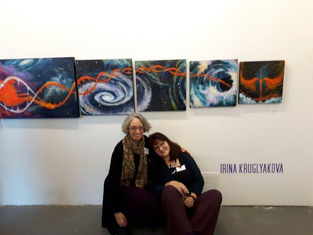 Marlena Wyman (left) and Irina Kruglyakova at CARFAC's New Voices exhibition in 2018. (courtesy Marlena Wyman)