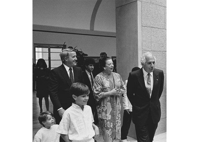 """Shirley L. Thomson with architect Moshe Safdie and Prime Minister Brian Mulroney at the National Gallery of Canada before the opening of the new gallery building in May 1988. (from """"Women at the Helm"""" by Diana Nemiroff; McGill-Queens, 2021)"""