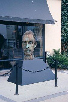 """""""Van Gogh in bronze"""""""
