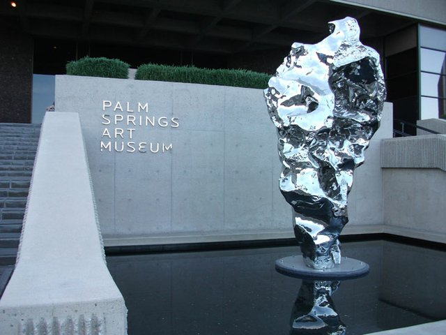 Palm Springs Art Museum entrance