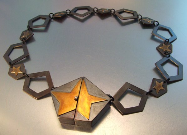 Star Box Catch Neckpiece_72dpi.jpg