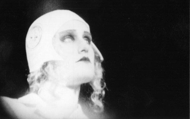 "Guy Maddin, ""The Heart of the World,"" 2000"