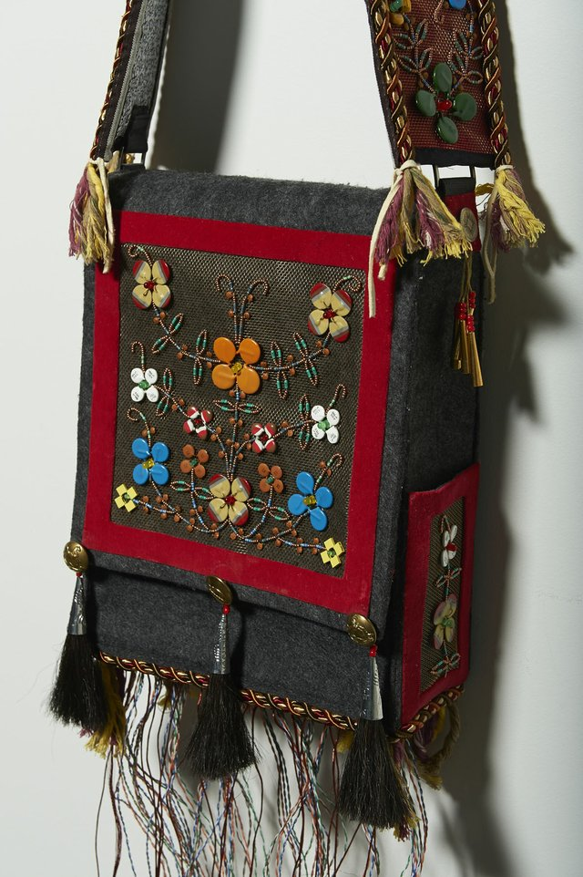 "Barry Ace, ""Aazhooningwa'igan (""It is worn across the shoulder),"" 2015"